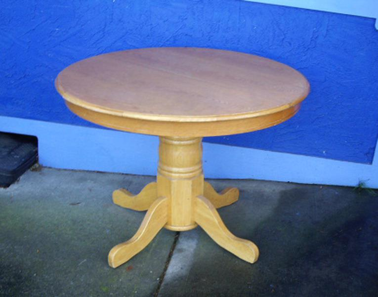 Wood pedestal dining table 42 diameter chemainus cowichan - Inch diameter dining table ...