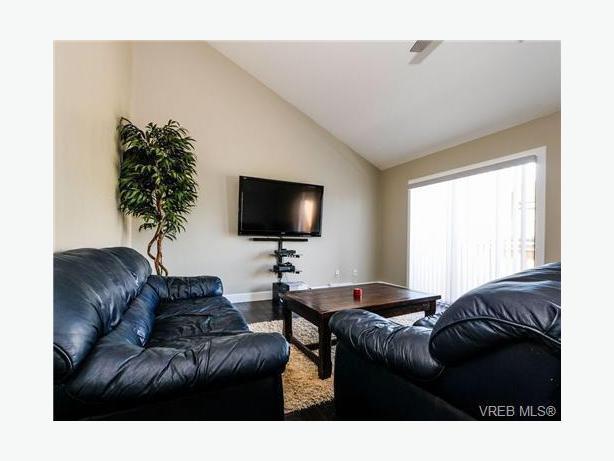 Townhouse 299 900 3 Decks 2 Bedroom 1 5 Baths Victoria City Victoria Mobile