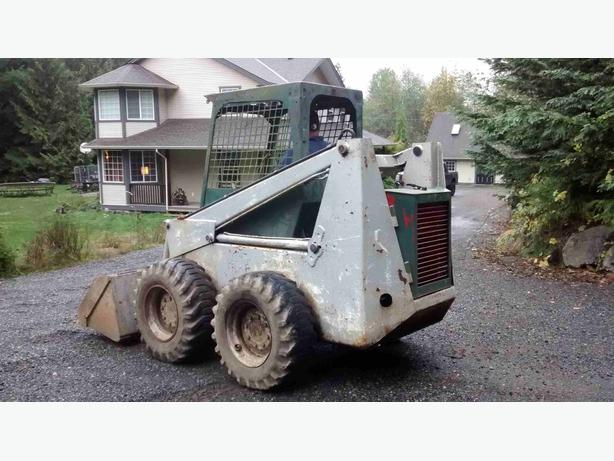 bobcat 825 skid steer loader outside comox valley campbell river mobile. Black Bedroom Furniture Sets. Home Design Ideas