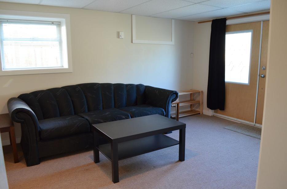 Large 1 Bedroom Basement Suite For Rent In Fairfield Victoria City Victoria
