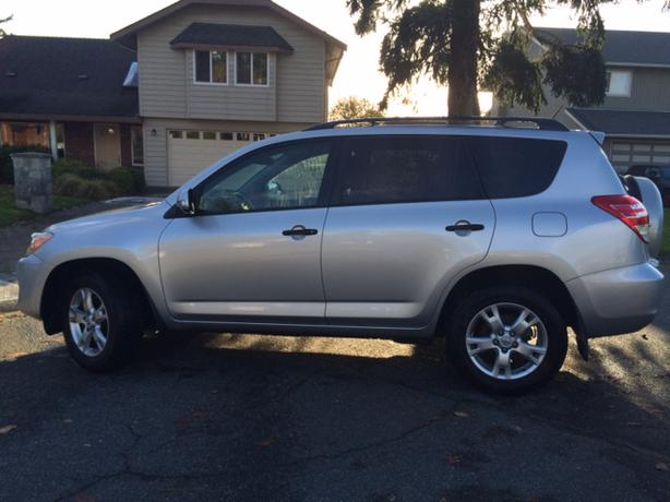2009 toyota rav4 4wd base w upgrade pkg 57 900 kms only. Black Bedroom Furniture Sets. Home Design Ideas