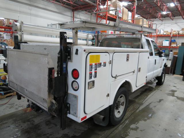 Service Body Tailgate : F diesel service body power tailgate winch
