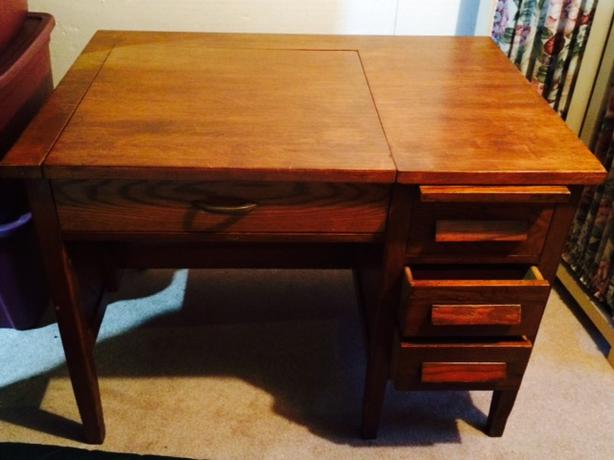 Antique Solid Oak Typewriter Desk - Antique Solid Oak Typewriter Desk Victoria City, Victoria
