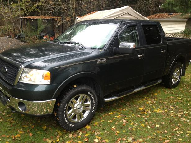 2006 ford f150 lariat 4x4 crew cab 9800 outside comox valley courtenay comox. Black Bedroom Furniture Sets. Home Design Ideas