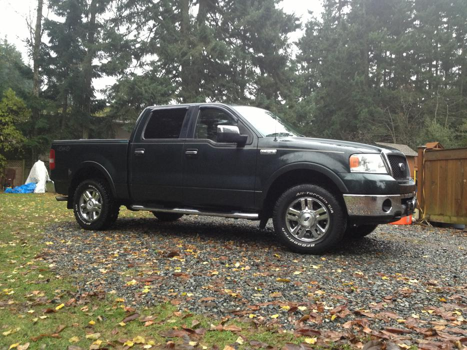 2006 ford f150 lariat 4x4 crew cab 9800 outside comox valley campbell river mobile. Black Bedroom Furniture Sets. Home Design Ideas