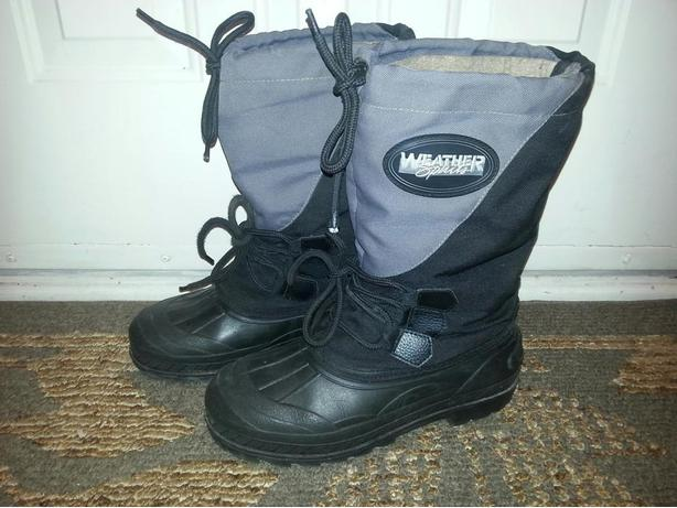 Men's size 8 winter boots