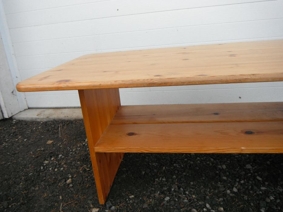 Pine coffee table duncan outside nanaimo nanaimo for Coffee tables kelowna