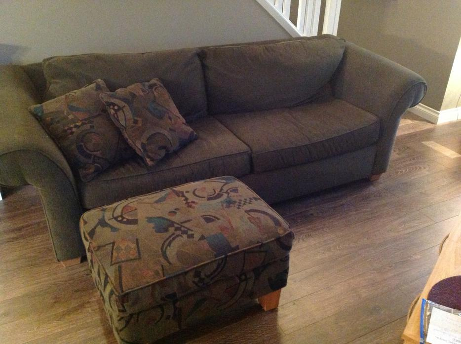 sofa chair ottoman 2 matching pillows surrey incl white rock vancouver. Black Bedroom Furniture Sets. Home Design Ideas