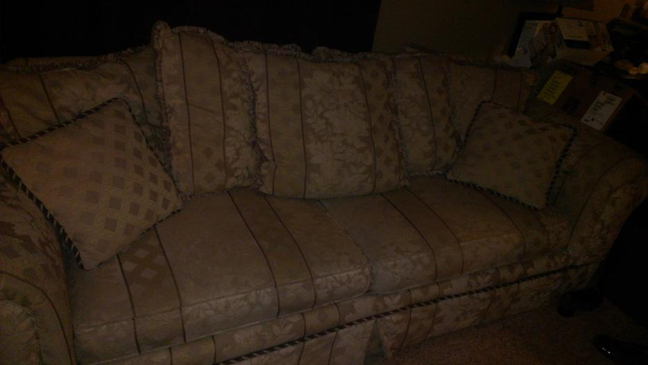 matching Loveseat and Sofa Hideabed West Shore Langford  : 43582467934 from www.usedvictoria.com size 934 x 526 jpeg 39kB