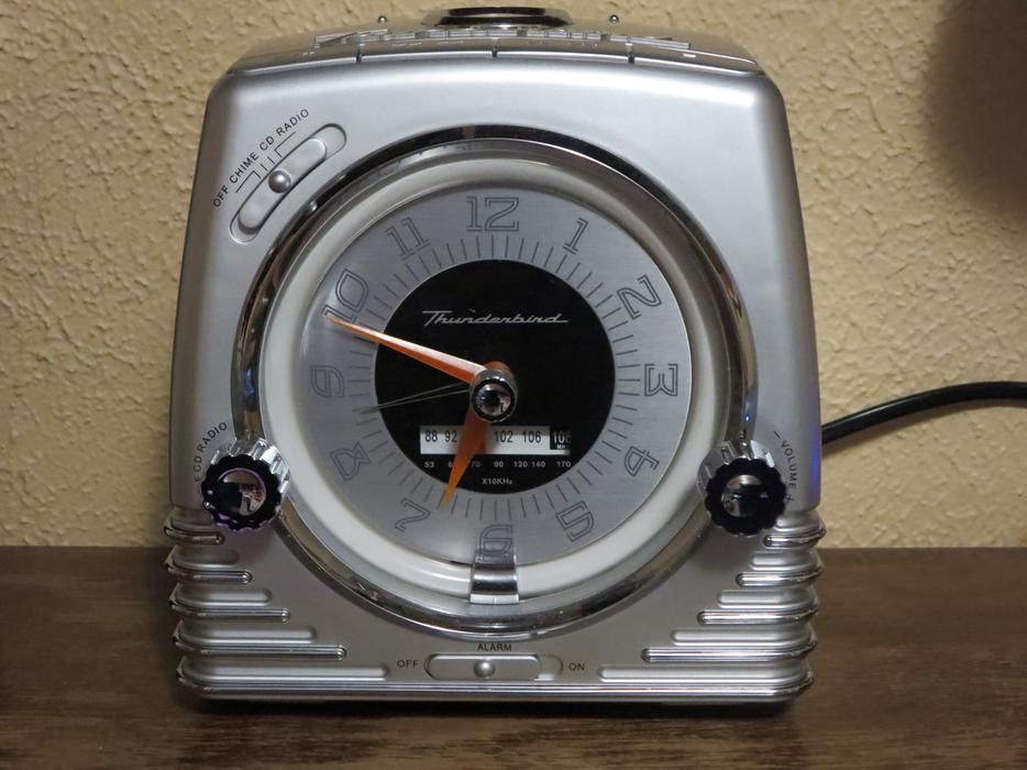 thunderbird neon clock radio cd player combo brand new in the box saanich victoria. Black Bedroom Furniture Sets. Home Design Ideas