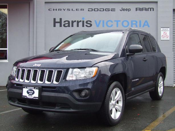 low low mileage 2012 jeep compass sport victoria city. Black Bedroom Furniture Sets. Home Design Ideas