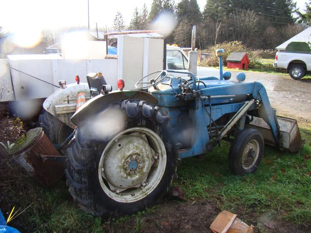 Ford 2000 Tractor With Front End Loader Duncan Cowichan
