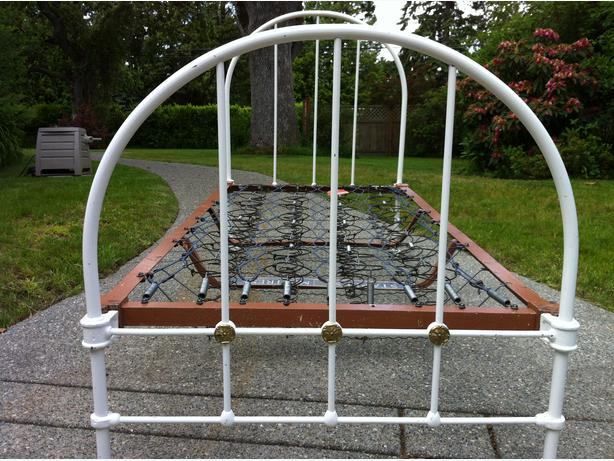 Antique Iron Bed Frame With Springs : Antique painted wrought iron bed frames twin size oak