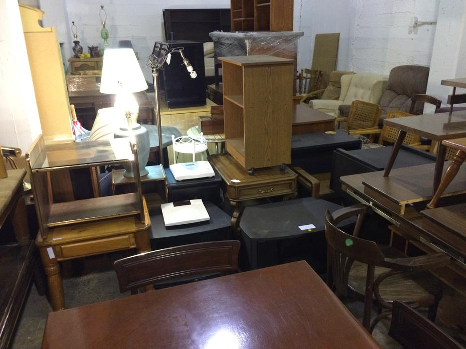 Tons of used furniture for sale saanich victoria mobile for Consignment furniture clearwater