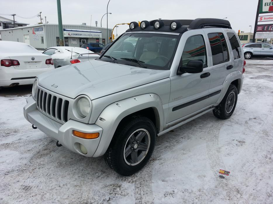2004 jeep liberty limited 4x4 north regina regina mobile. Black Bedroom Furniture Sets. Home Design Ideas