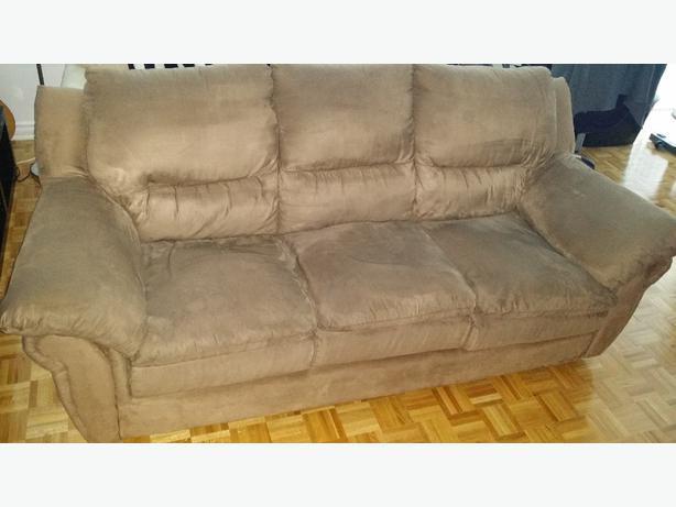 Free good condition microfiber sofa light brown central for Light brown microfiber sectional sofa