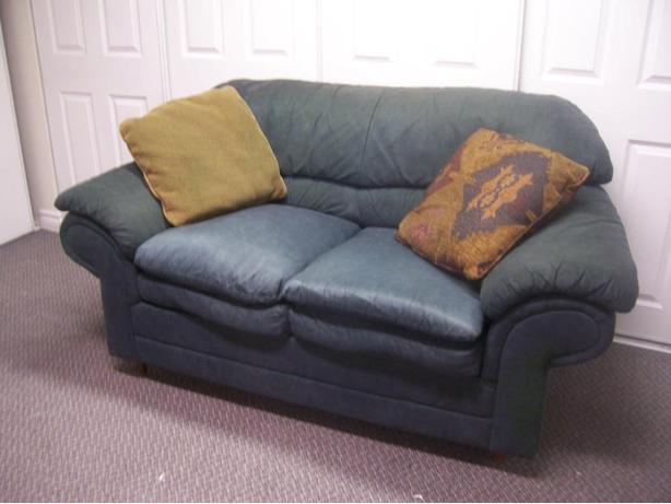 Super comfy forrest green sofa for sale can deliver for Comfy sofas for sale