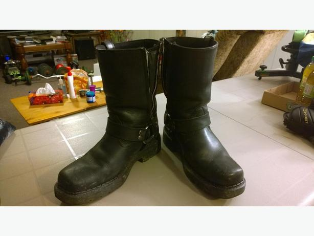ATS Size 10 Leather Motorcycle Boots with Metal Mounts and Ankle Bolsters