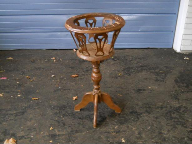 "Maple Plant Stand - 30"" High, 151/2"" Wide, 11"" opening."