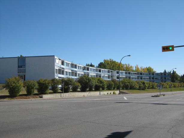 Great location ! Only 13 min walk to campus or Foothills Hospital