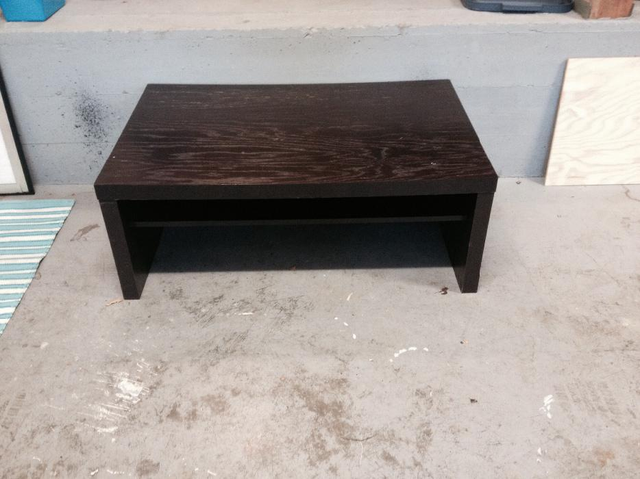 Dark brown wood coffee table 50 victoria city victoria for Coffee tables london ontario