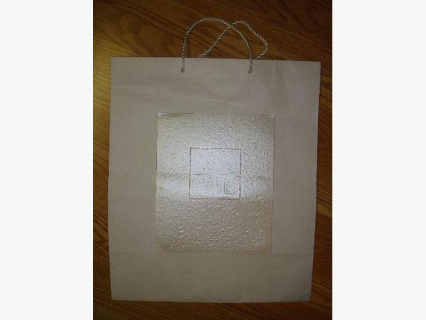Like New Hallmark Large Wedding Love Gift Bag - Excellent Condition! $2