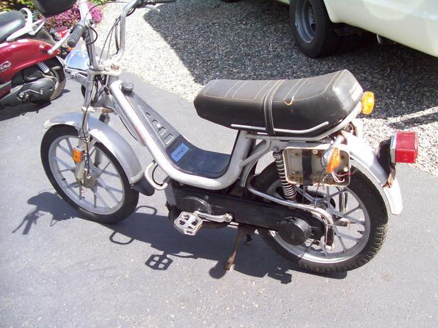 piaggio vespa grande super deluxe moped - outside nanaimo, nanaimo
