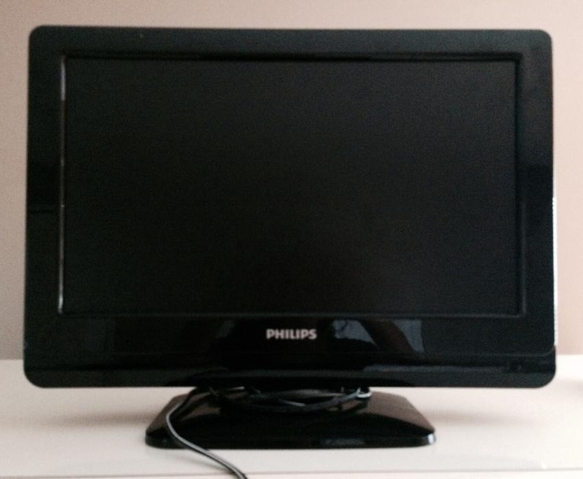 19 39 phillips flat screen tv saanich victoria. Black Bedroom Furniture Sets. Home Design Ideas