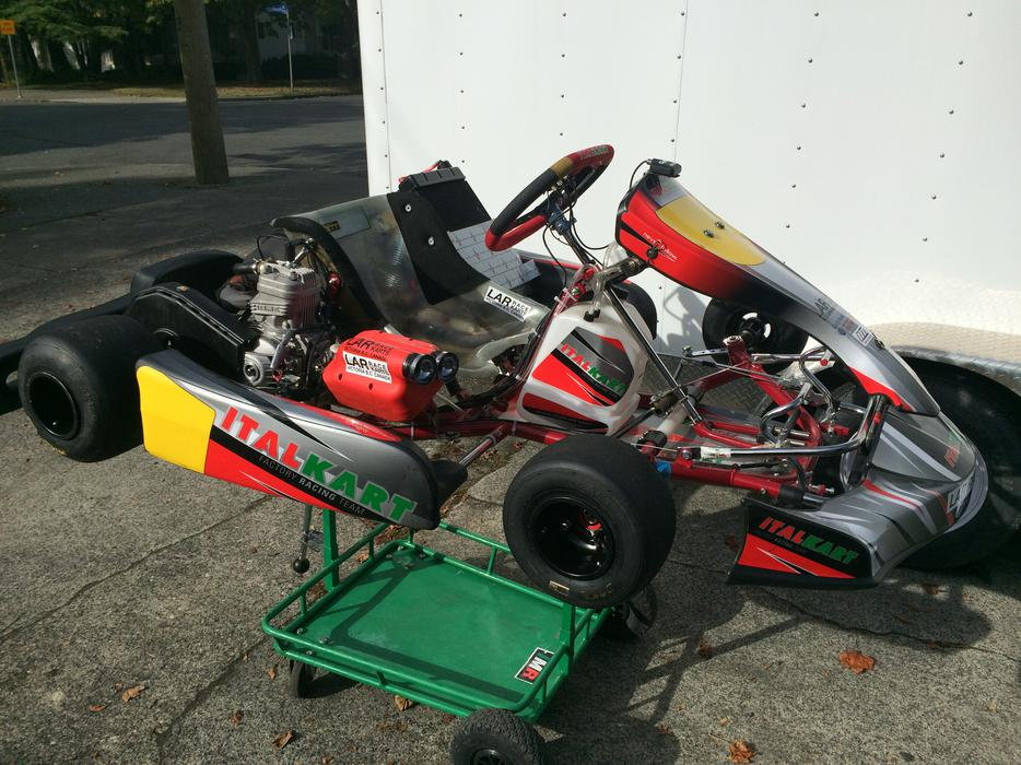 Racing go kart 2013 italkart supersonic with iame dragon for Go kart montreal exterieur