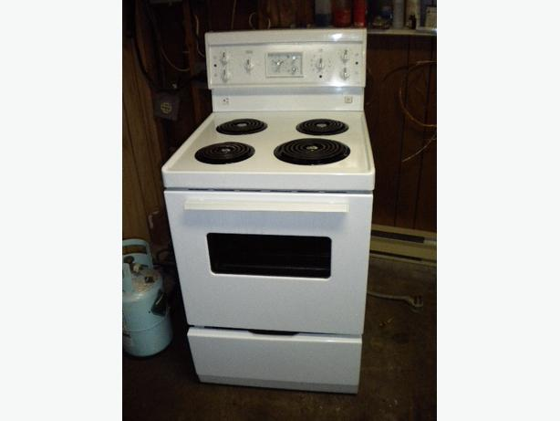 white frigidaire 24 39 39 wide manual clean stove 3 months parts and