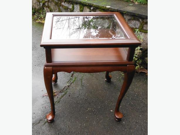 Used Display Tables ~ Hinged glass display curio side table north saanich