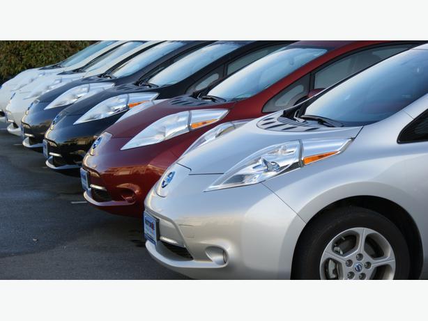 2011 Nissan Leaf Sl White 61 000 Kms Outside Metro