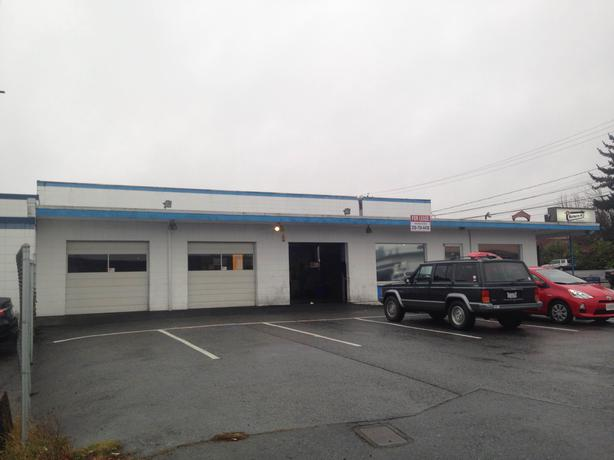 5000 square foot warehouse for lease outside victoria for 5000 square feet