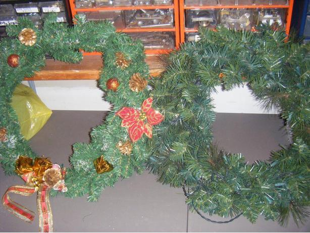 Wreaths in GREAT condition!!