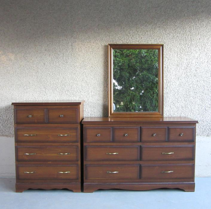 tallboy and long dresser bureau credenza and mirror set for bedroom central nanaimo nanaimo. Black Bedroom Furniture Sets. Home Design Ideas