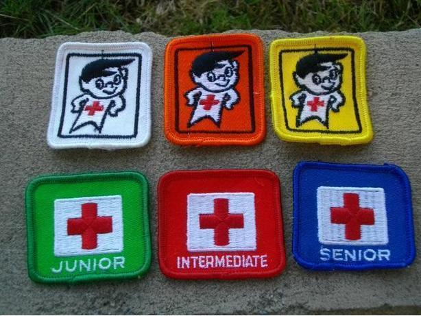 ASSORTMENT OF VINTAGE RED CROSS WATER SAFETY BADGES CRESTS 1970S