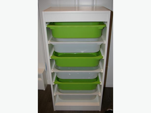 ikea toy storage shelves with bins oak bay victoria. Black Bedroom Furniture Sets. Home Design Ideas
