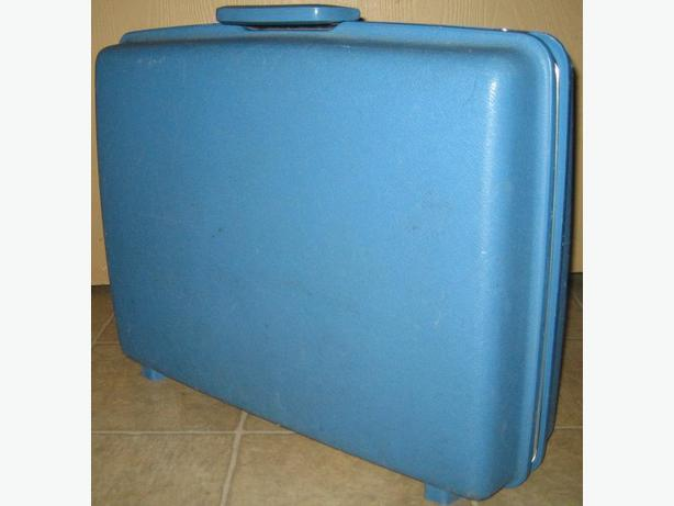 Small suitcase - hard-side
