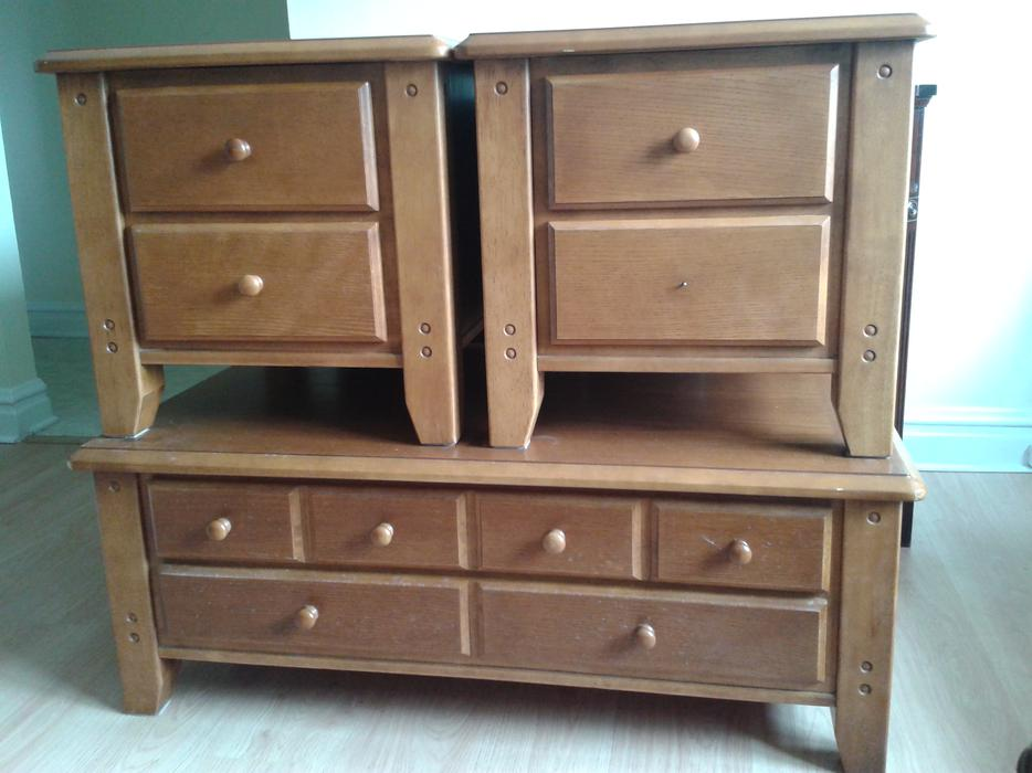 solid wood coffee table and 2 end tables gloucester ottawa. Black Bedroom Furniture Sets. Home Design Ideas