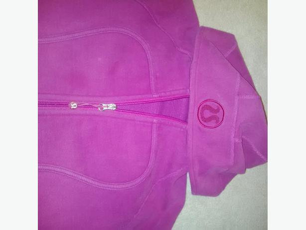 Selling Lots of Lulu Lemon Sweater's + other Lulu Items (Size 6, 8 and 10)