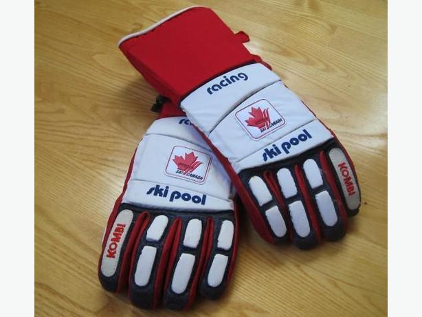 Vintage Ski Canada Gloves ~ New