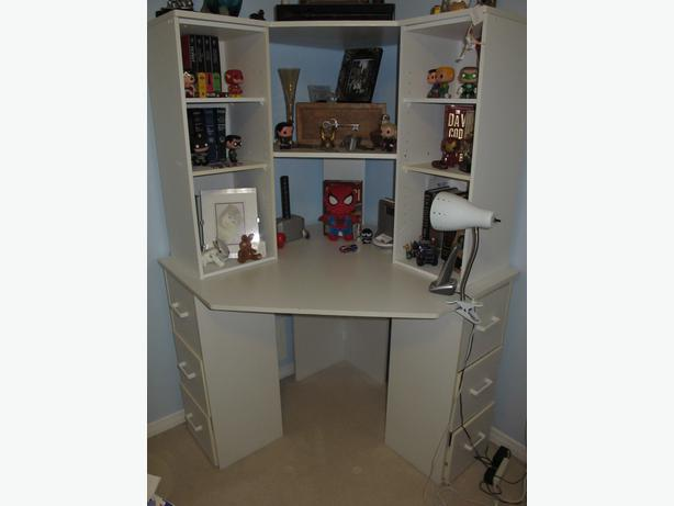 corner desk with shelves and drawers excellent condition stittsville ottawa