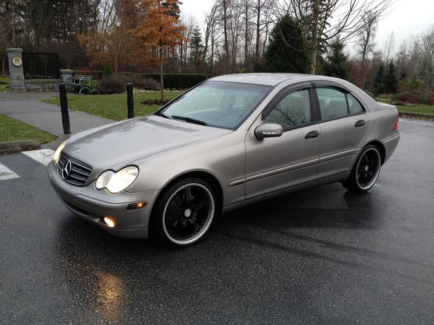 2004 mercedes c240 4matic awd navigation low km