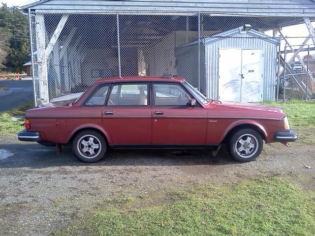1982 Volvo 240 GLT Saanich, Victoria