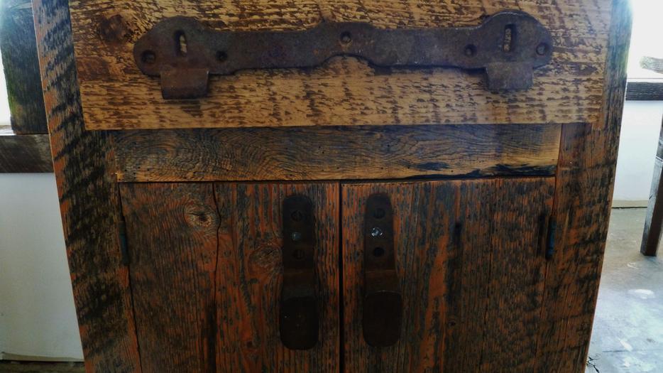 Barnwood Custom Furniture Cowichan Bay Cowichan