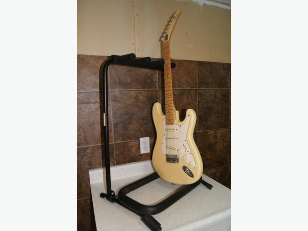 rock guitar stand for 3 electric guitars on stage saanich victoria. Black Bedroom Furniture Sets. Home Design Ideas