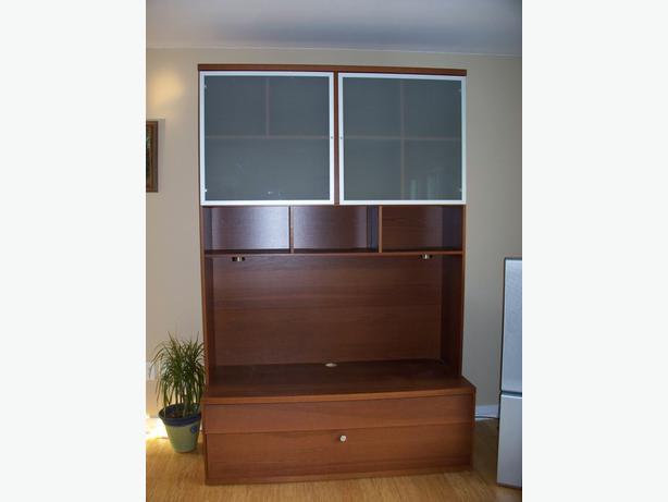 obo ikea bonde entertainment centre tv stand central saanich victoria. Black Bedroom Furniture Sets. Home Design Ideas