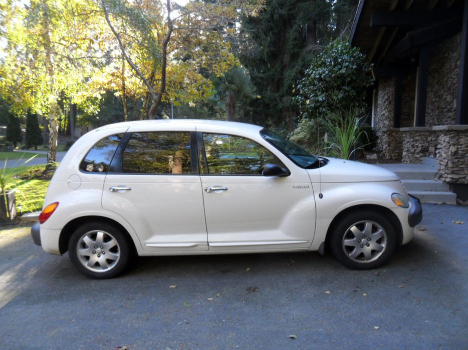 white 2003 pt cruiser in good condition saanich victoria mobile. Black Bedroom Furniture Sets. Home Design Ideas
