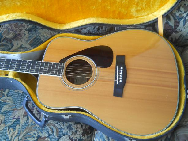 vintage yamaha fg 340 guitar w case nice central ottawa inside greenbelt ottawa. Black Bedroom Furniture Sets. Home Design Ideas