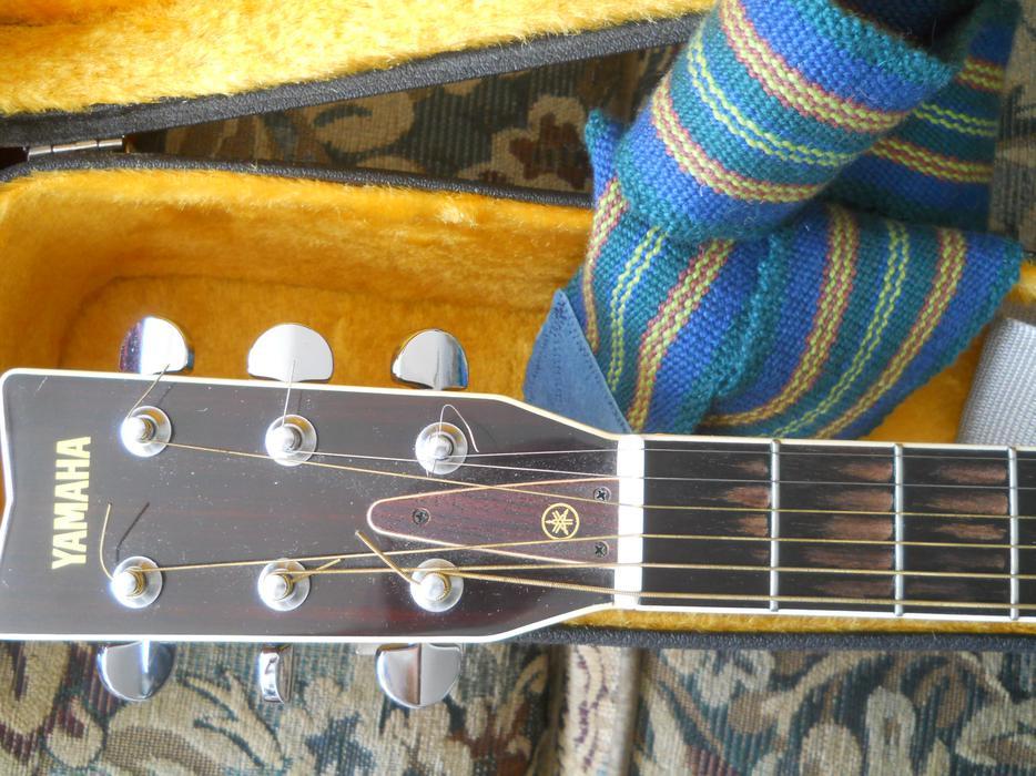 vintage yamaha fg 340 guitar w case nice central ottawa inside greenbelt ottawa. Black Bedroom Furniture Sets. Home Design Ideas